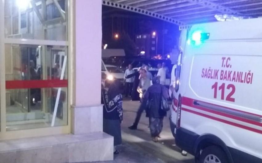 В Турции на свадьбе отравились 156 человек