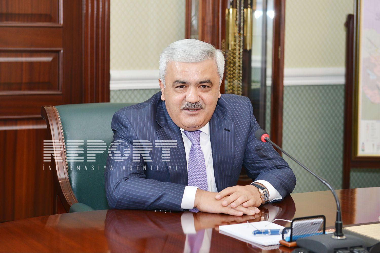 Rövnəq Abdullayev: Çalışacağıq ki, işçilərin əməkhaqlarını inflyasiyaya uyğun kompensasiya edək