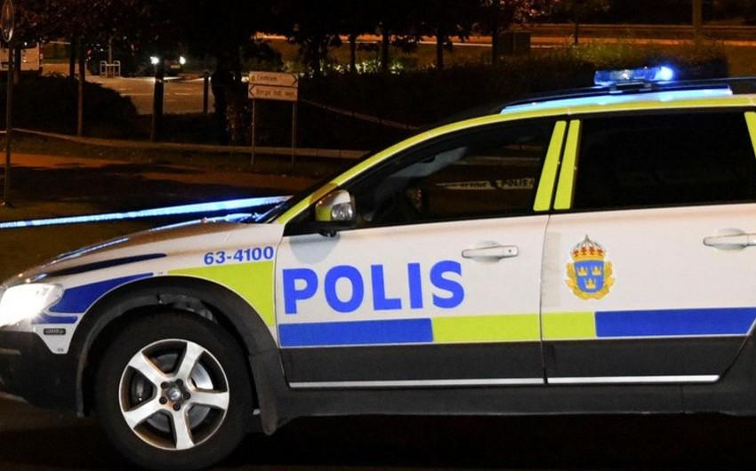 İsveçdə avtobus 40-a yaxın turist ilə qəzaya uğrayıb