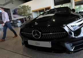 Mercedes-Benz awards $1,200 'corona bonus' to employees