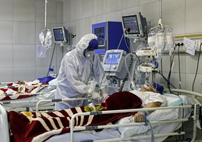 В Иране заявили о начале третьей волны распространения COVID-19