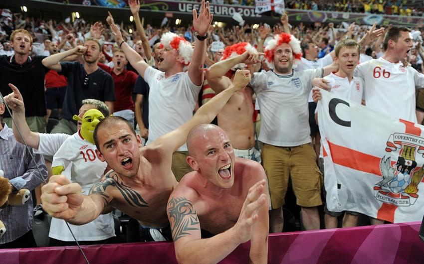 Около 1200 английских футбольных хулиганов получили право приехать на ЧМ-2018