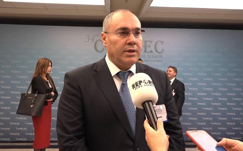Сафар Мехтиев прояснил изменения в правила беспошлинного ввоза товаров