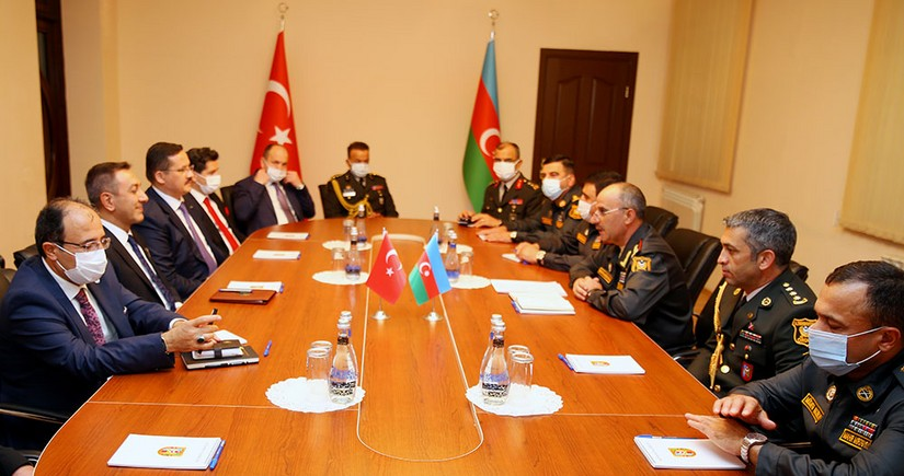 Azerbaijan discusses procurement of Turkish state-of-the-art weapons
