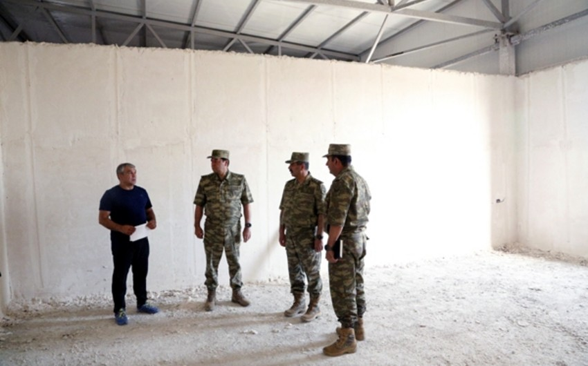 Defense Minister reviews construction of new military town on frontline