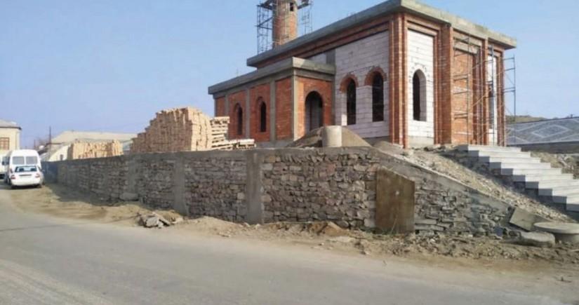 Heydərxanlı məscidi yenidən inşa olunur