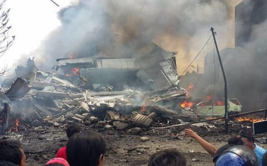İndoneziya hərbi hava qüvvələrinin komandanı: Qəzaya uğrayan təyyarədə 113 nəfər olub - YENİLƏNİB
