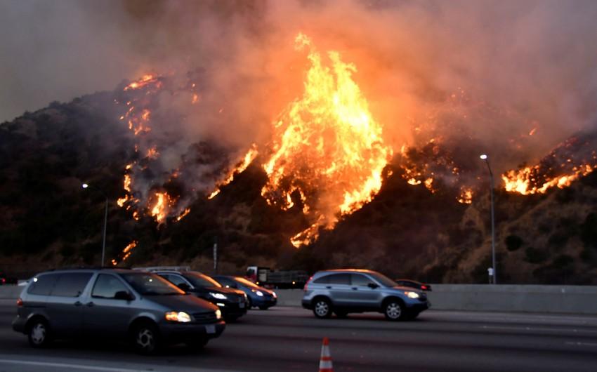 US wildfires kill at least 23 people