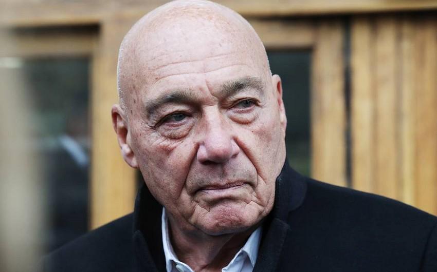Vladimir Pozner qonaqları ilə Tbilisidə qaldığı hoteli tərk edib