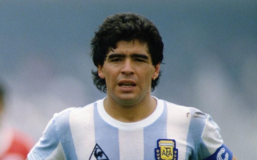 Maradona dünya çempionluğu forması ilə xeyriyyəçilik etdi - FOTO