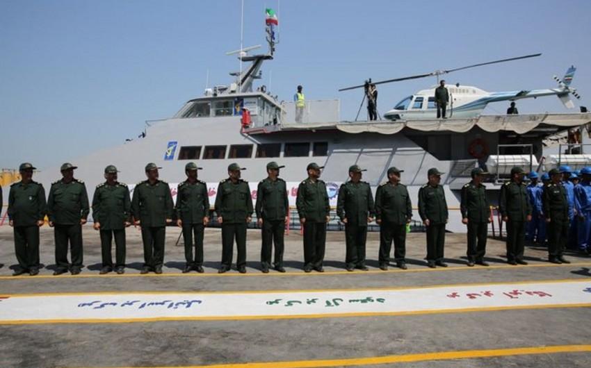 İran hərbi sürət gəmisini suya buraxıb