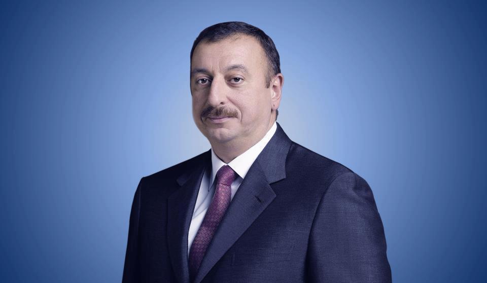Президент Азербайджана поздравил аргентинского коллегу