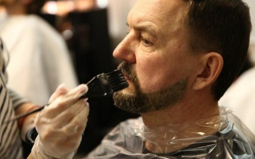 Türkiyədə kişilərin saçlarını qara rəngə boyamaları qadağan edilib