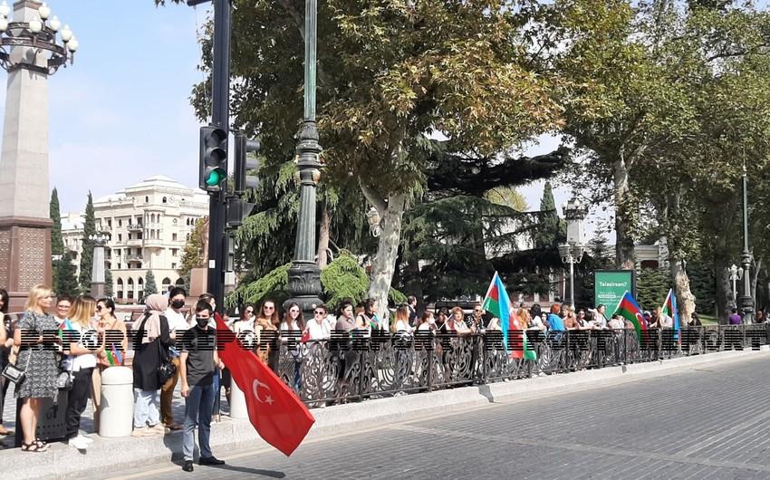 В Гяндже прошло торжественное шествие военнослужащих
