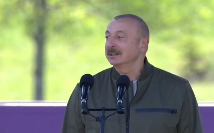 """İlham Əliyev: """"Xarıbülbül"""" musiqi festivalı şəhidlərimizin əziz xatirəsinə həsr olunub"""