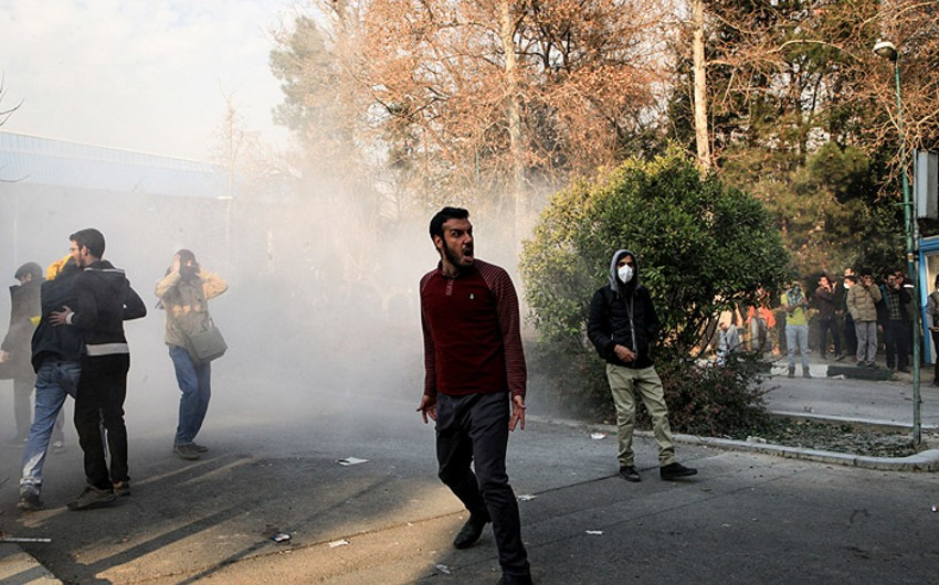 İranın hakimiyyət orqanları etiraz aksiyalarının əsas təşkilatçılarını saxlayıb