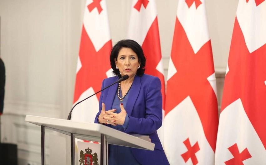 Gürcüstan prezidenti Azərbaycan və Ermənistanı barışığa çağırıb