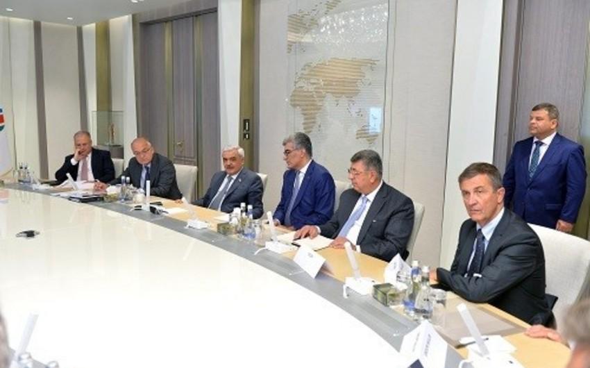 SOCAR-ın prezidenti Fransa Sahibkarlar Təşkilatının üzvlərini qəbul edib
