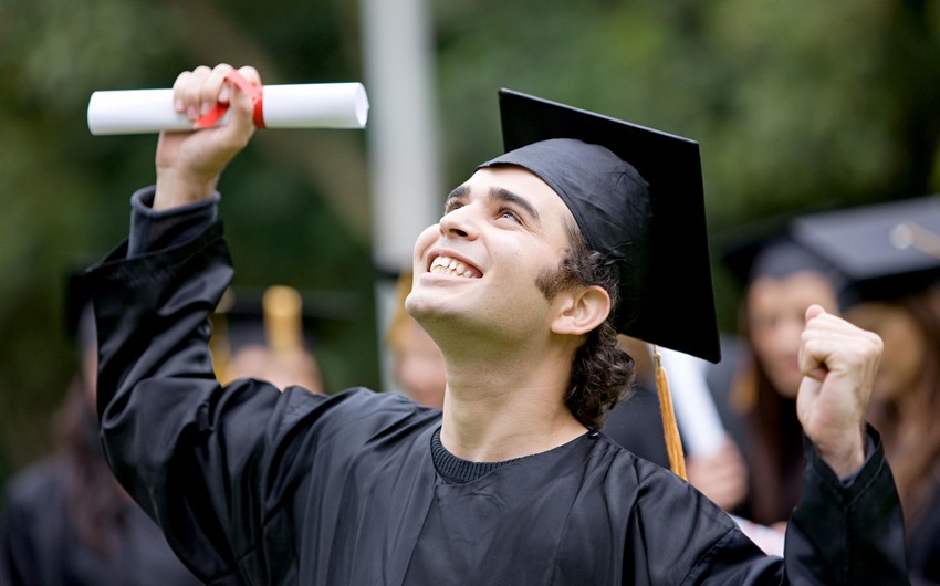 Азер Байрамов: На оплату обучения студентов выделено 40 млн манатов