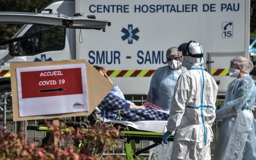 Число жертв коронавируса во Франции достигло 24,6 тыс. человек