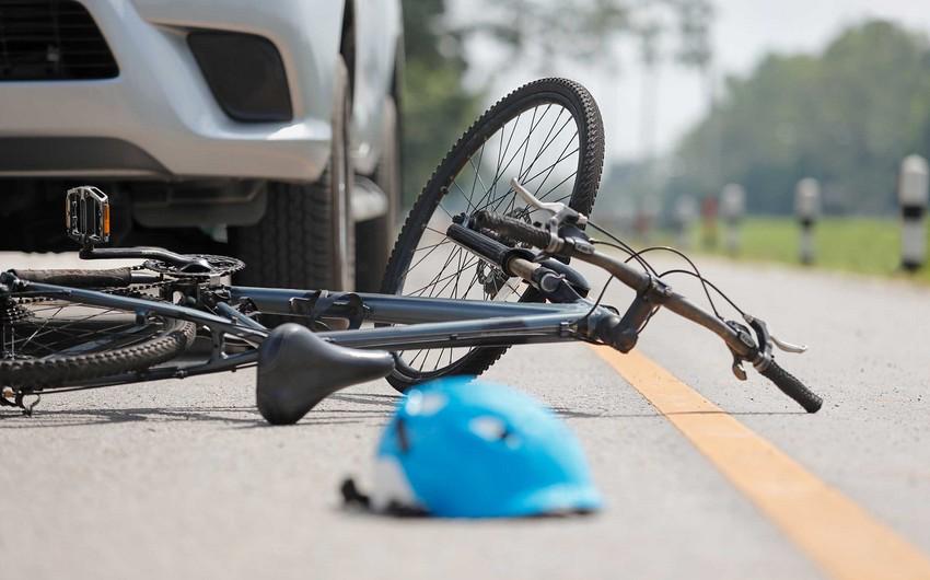 Qubada avtomobil velosiped sürən 6 yaşlı uşağı vuraraq öldürdü