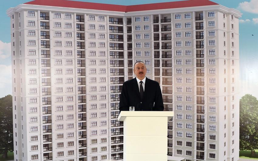Prezident İlham Əliyev jurnalistlər üçün inşa ediləcək üçüncü yaşayış binasının təməlini qoyub - YENİLƏNİB-2
