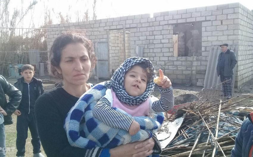 В Барде мужчина пострадал при пожаре когда спасал своих детей - ФОТО