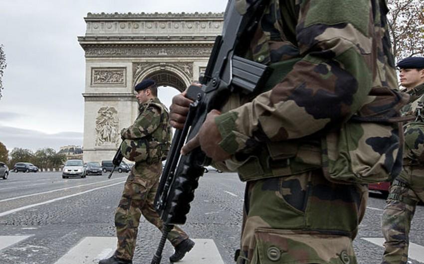 KİV: Xüsusi xidmət orqanları Parisdəki terror aktlarının əsas şübhəlisinin izini itirib