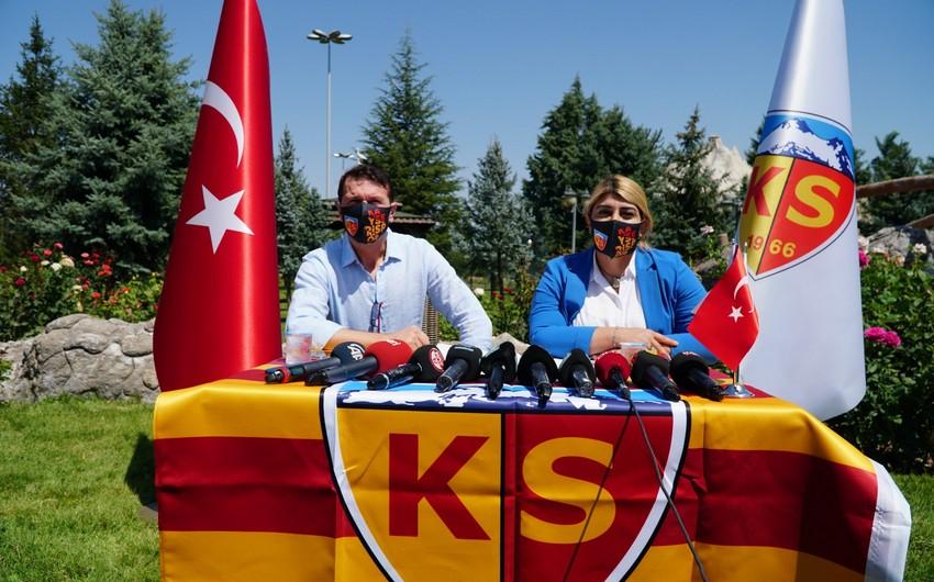 Türkiyə Super Liqasında yeni baş məşqçi -