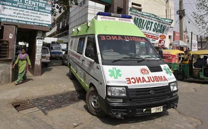 Hindistanda baş verən yol qəzasında 16 nəfər ölüb