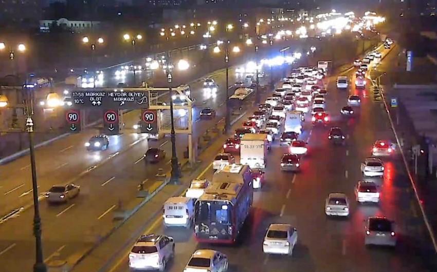 BNA: Yollardakı sıxlıq marşrut avtobuslarının intervalına mənfi təsir edir