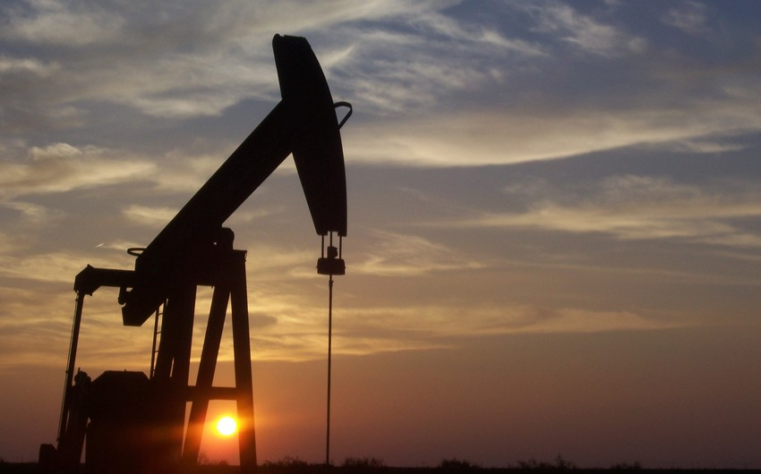 Azerbaijani oil price decreased below 50 USD