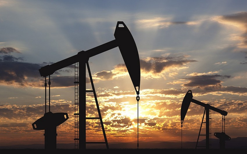 Азербайджанская нефть вновь упала в цене