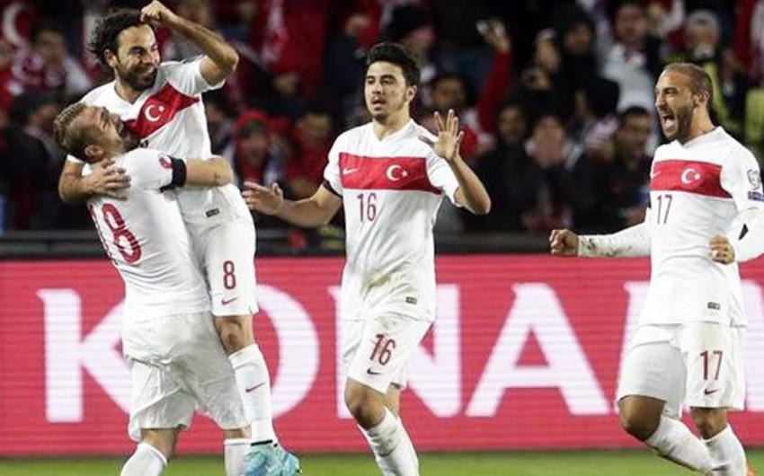 Avro-2016: Futbol üzrə Türkiyə millisi Çexiya yığmasına qalib gəlib - VIDEO