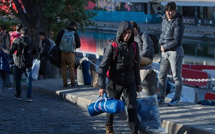В центре для мигрантов под Парижем произошел пожар, есть раненые
