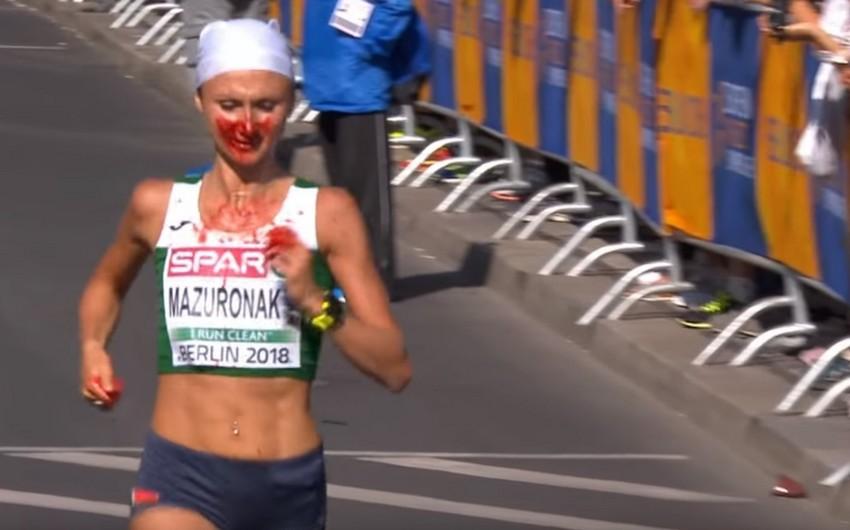 Belarus marafonçusu burnundan qan açılmasına baxmayaraq, Avropa çempionu olub - VİDEO