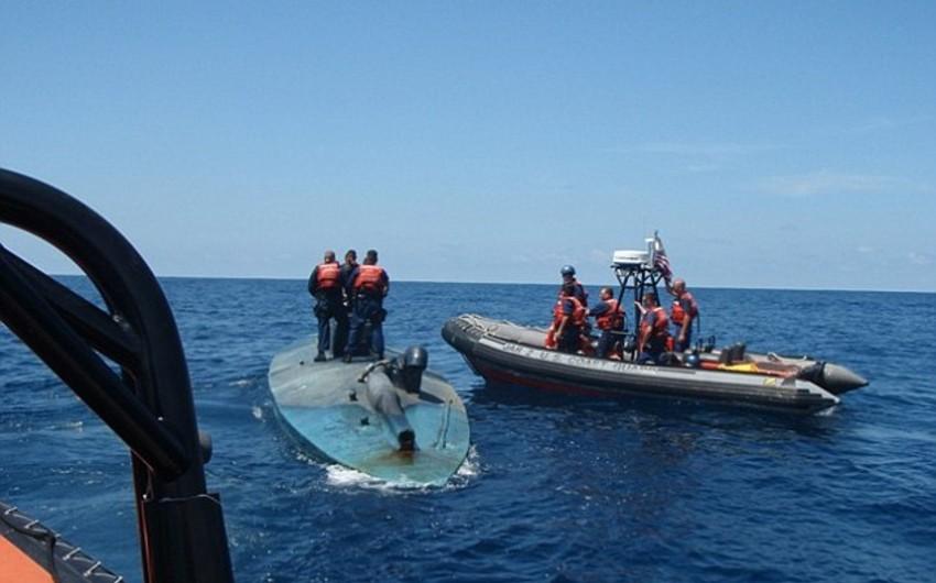 Американские пограничники спасли тонущую подлодку с шестью тоннами кокаина