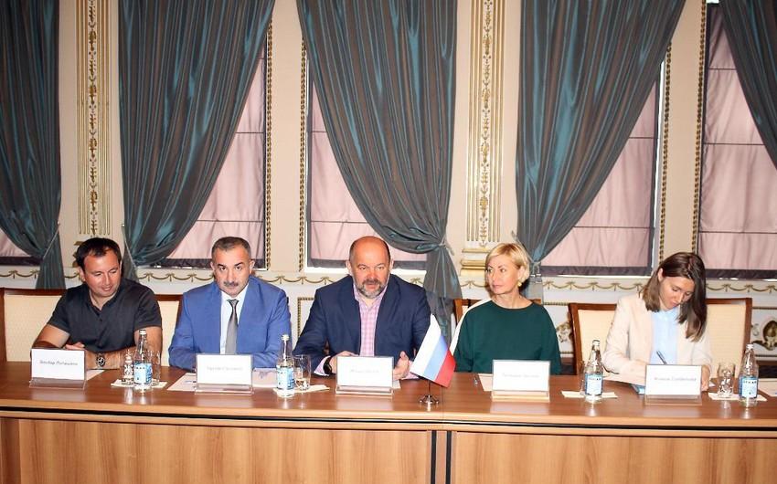 Fuad Muradov Arxangelsk vilayətinin qubernatoru ilə görüşüb