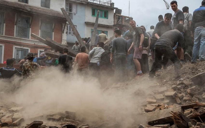 Nepalda zəlzələ qurbanlarının sayı 2,2 min nəfəri ötüb - YENİLƏNİB
