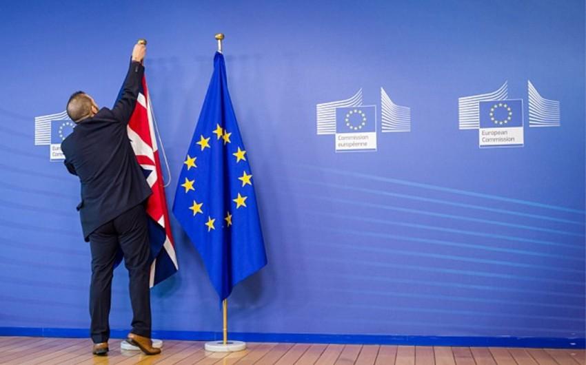 """""""Sərt Brexit"""" halında britaniyalılar üçün vizasız rejim tətbiq olunacaq"""