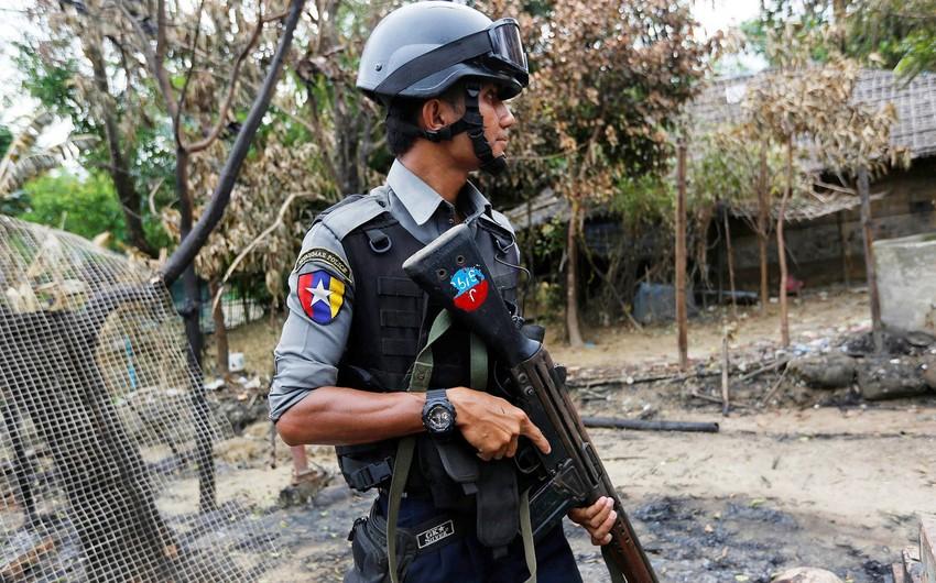 Myanmada toqquşmalar zamanı 13 polis əməkdaşı öldürülüb, yaralılar var