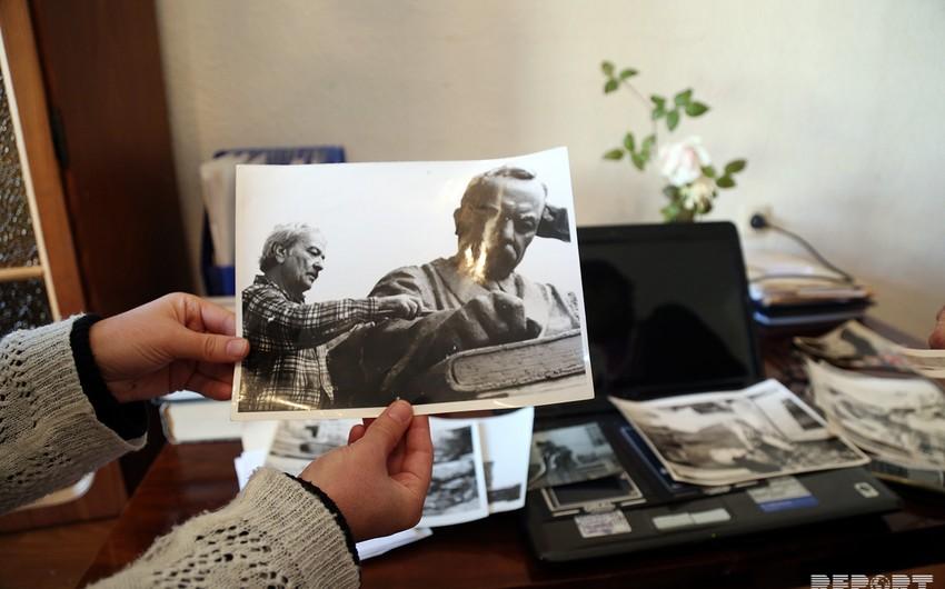 Atasının məzarı üçün hazırladığı abidəni qoymağı 42 il gözləyən Mirəli Mirqasımovun evindən - REPORTAJ