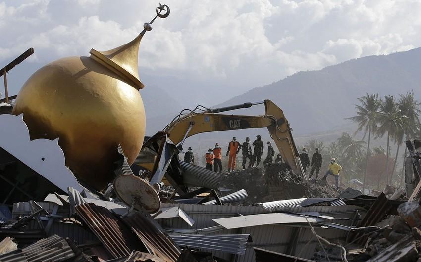 Число жертв землетрясения в Индонезии превысило 1,9 тыс. человек