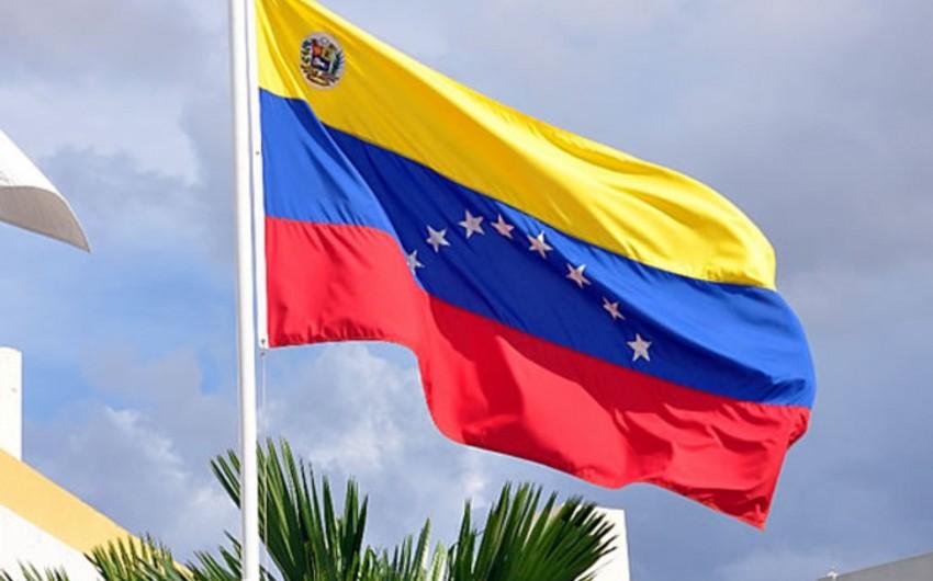 Venesuela paytaxtı susuz və rabitəsiz qalıb