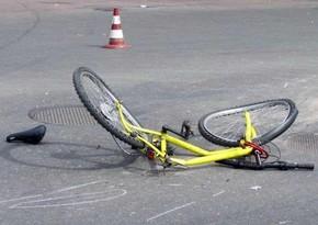 Zərdabda avtomobil velosipedçini vurub