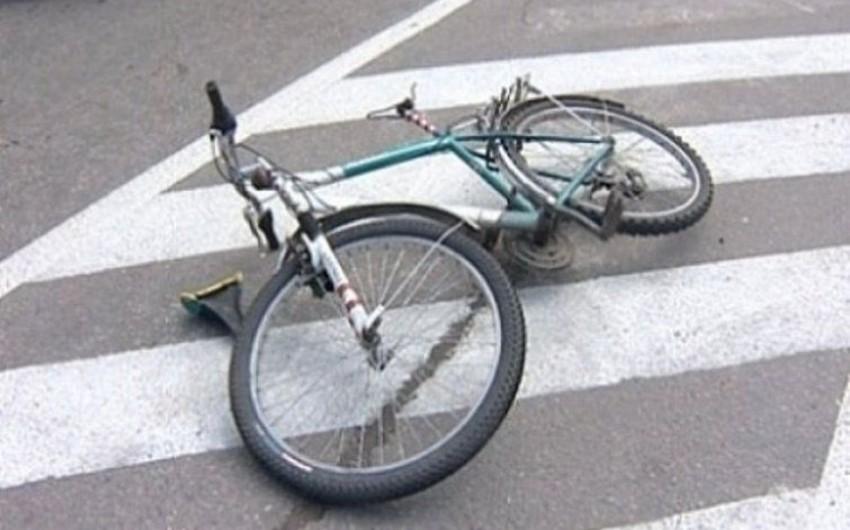 İmişlidə velosipedçiləri avtomobil vurub