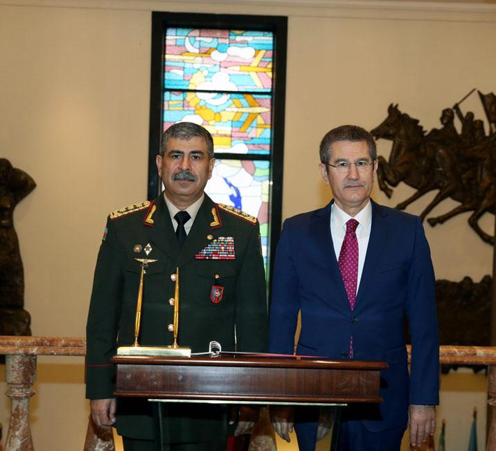 Azerbaijan Defence Minister meets with his Turkish counterpart