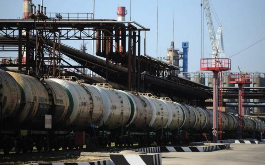 Azərbaycan neft məhsullarının ixracını 3%-ə yaxın azaldıb