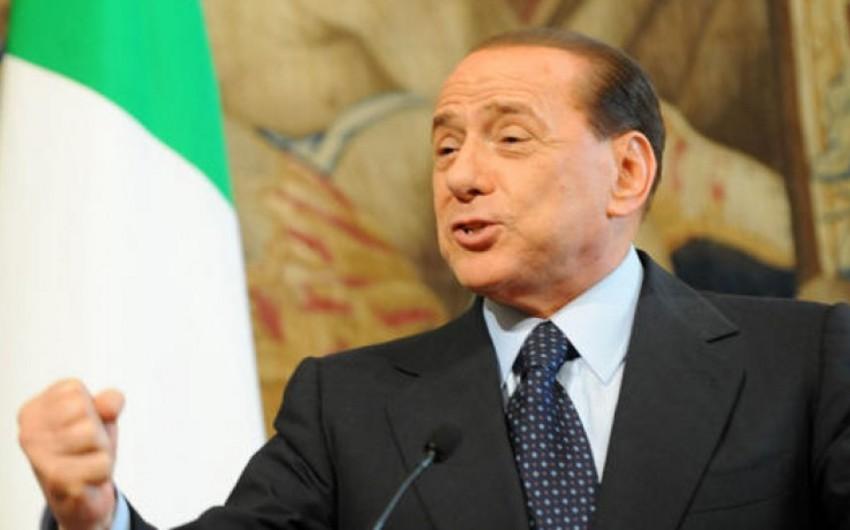Silvio Berluskoni İtaliyada keçiriləcək seçkilərdə iştirakını istisna etməyib