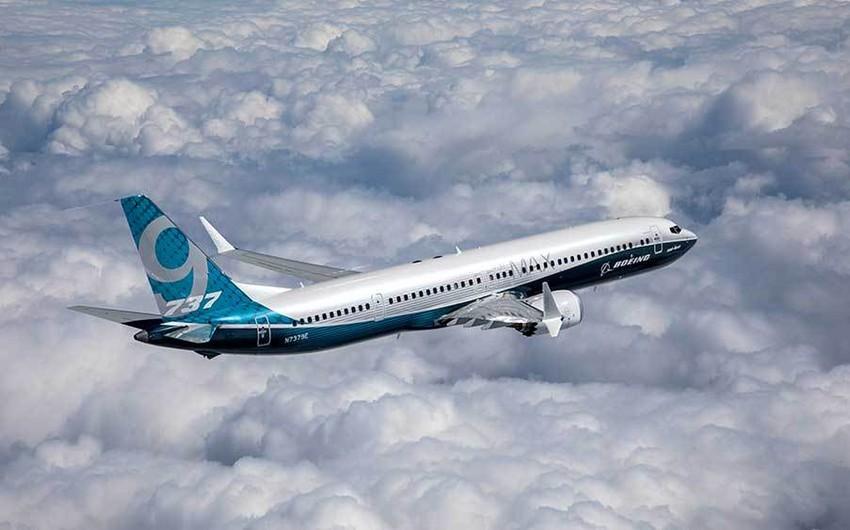 American Airlines Boeing 737 MAXla uçuşlardan imtinaya görə 400 milyon dollar zərər edib